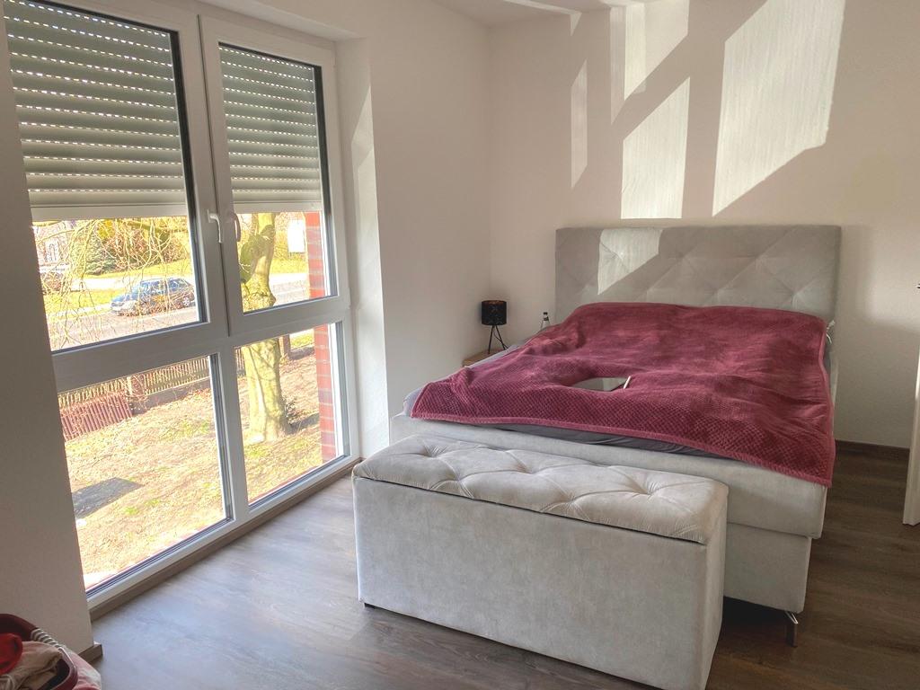 Schlafzimmer Nr. 2 mit Möbeln