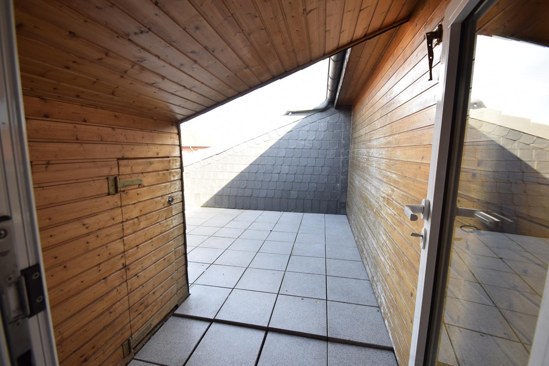 Zugang zur Dachterrasse mit kleiner Abstellkammer