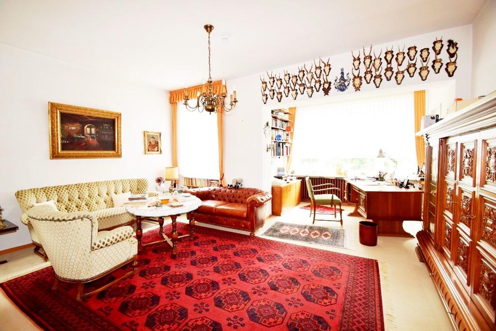 Herrenzimmer mit Loggia