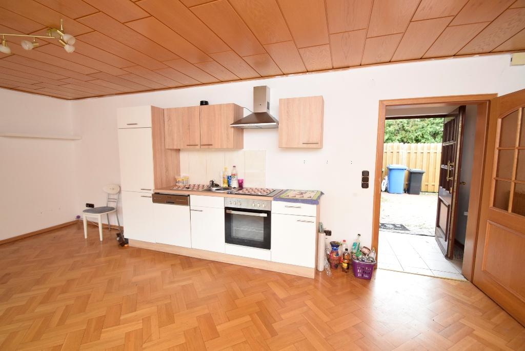 43. Küchenblock im Wohnzimmer in der Einliegerwohnung