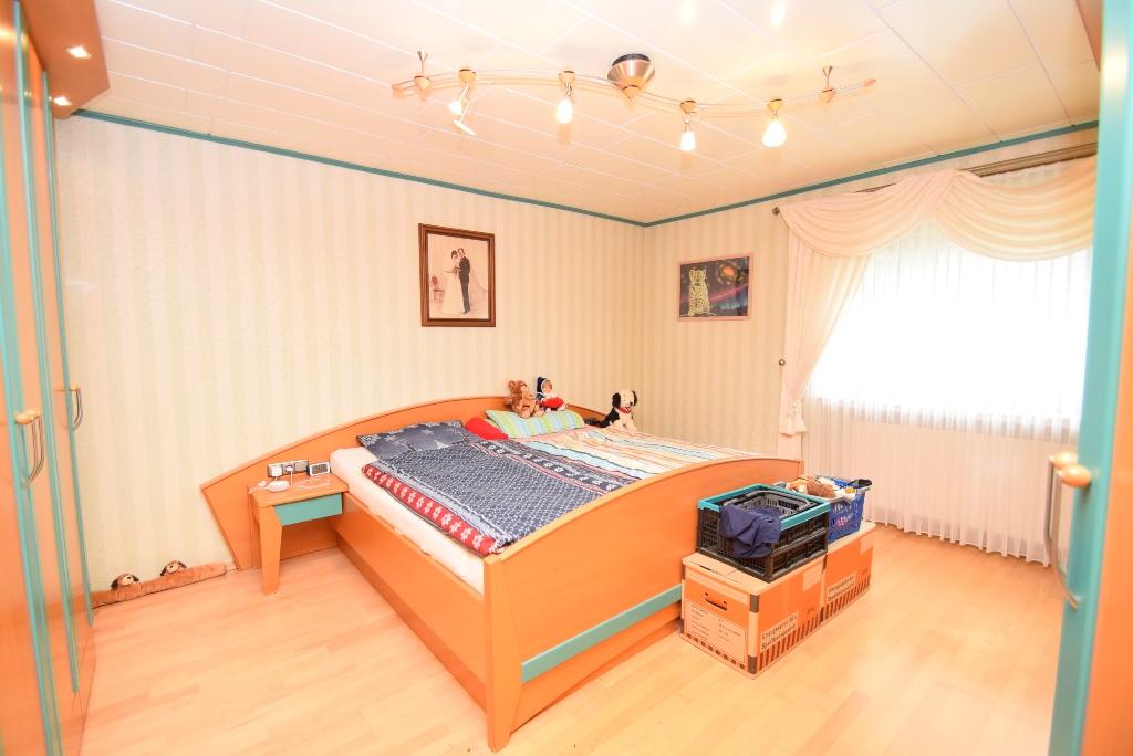 16. Schlafzimmer im EG