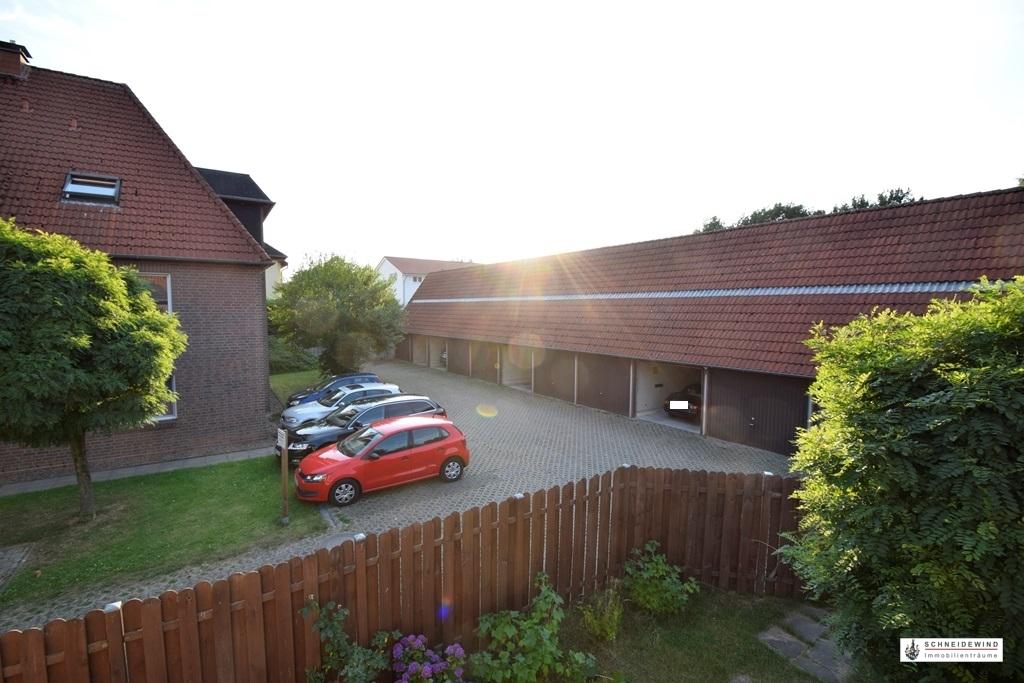 Blick auf den Garagenhof