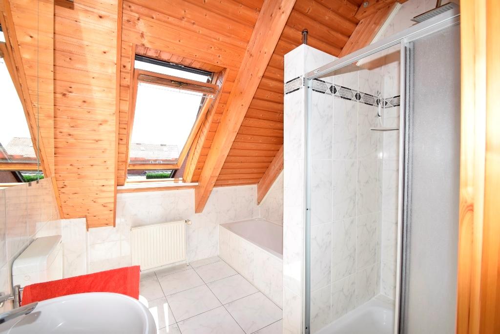 12. Blick ins Badezimmer