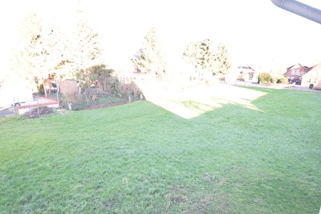 Blick aus dem OG in den Gartenbereich