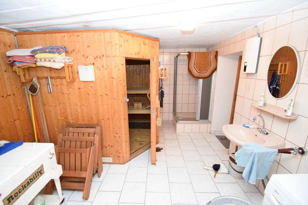 Waschkeller mit Sauna und Dusche