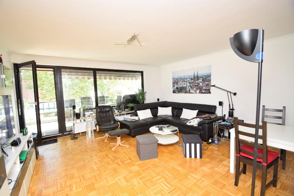 7. Wohnzimmer möbliert
