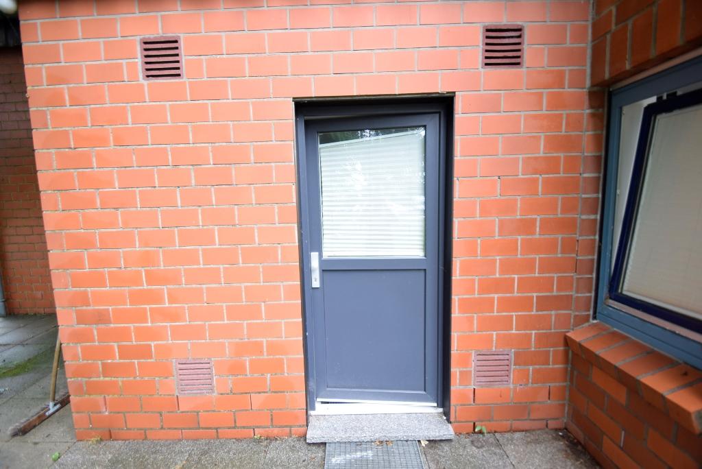 Separater Eingang zur kleinen Monteurwohnung