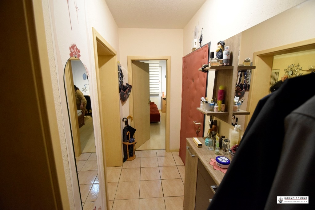 5. Wohnungsflur