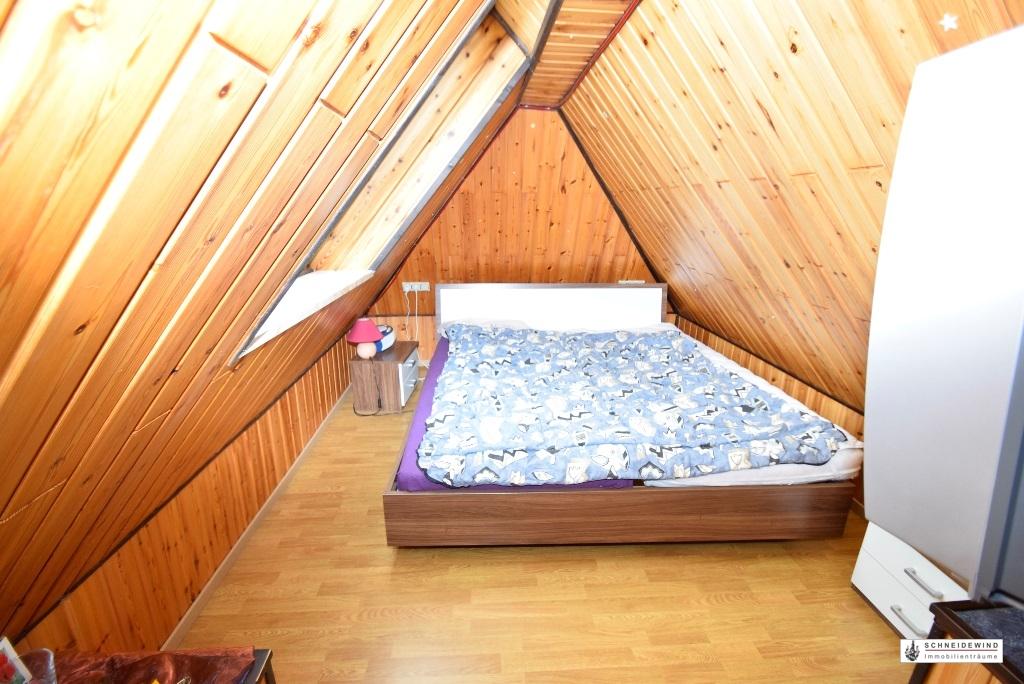 8. Schlafbereich im ausgebauten Spitzboden