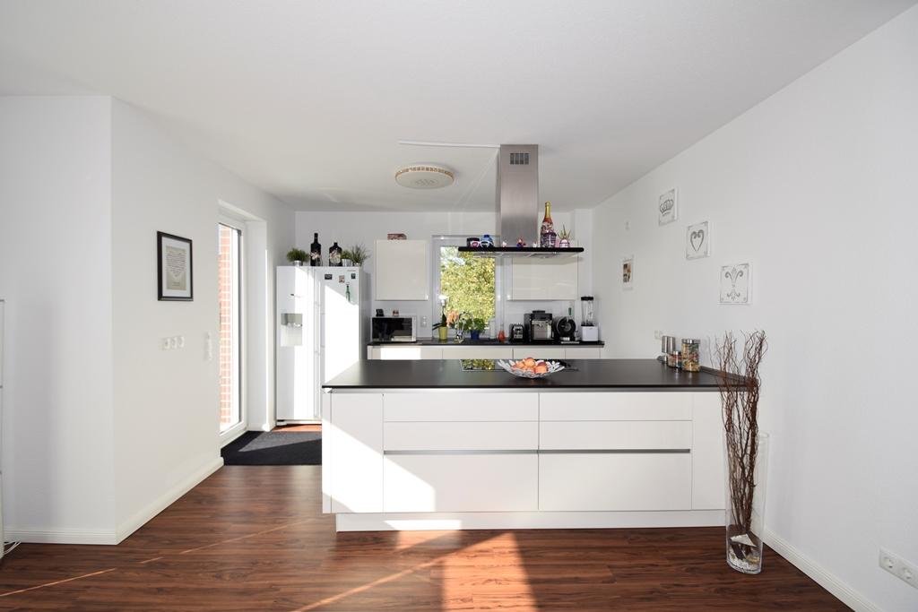 Küchenbereich noch mit Einbauküche
