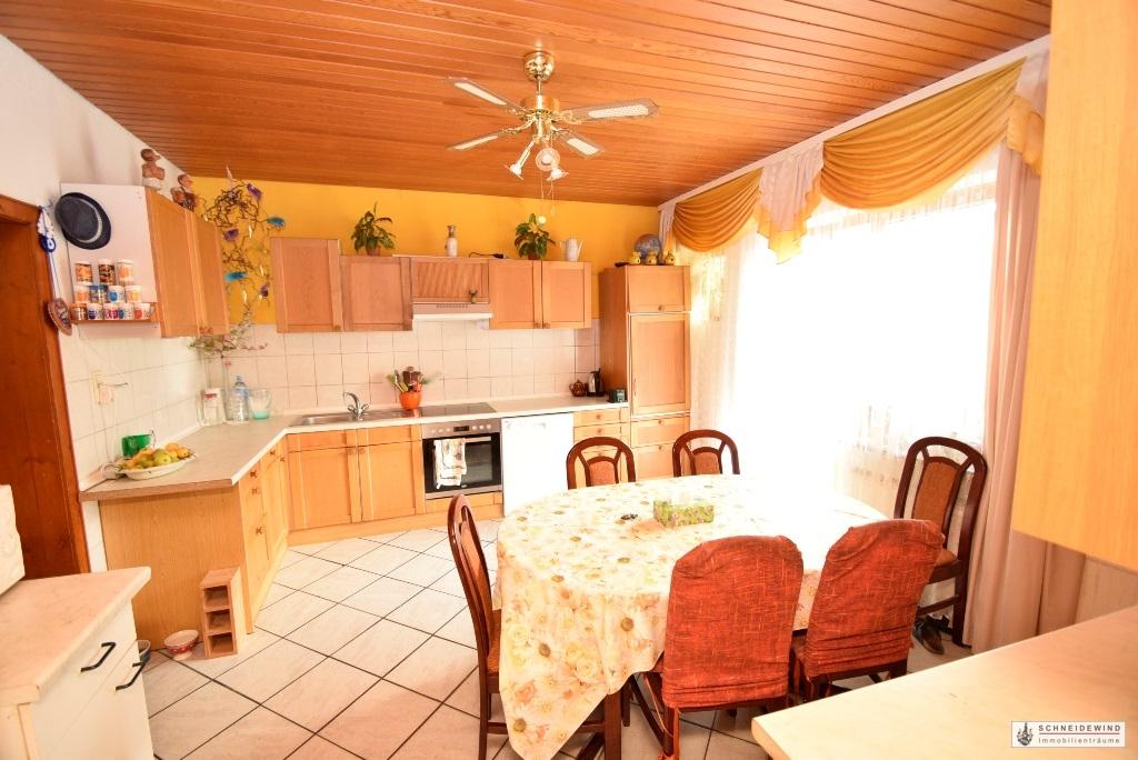 Blick in die große Küche.JPG