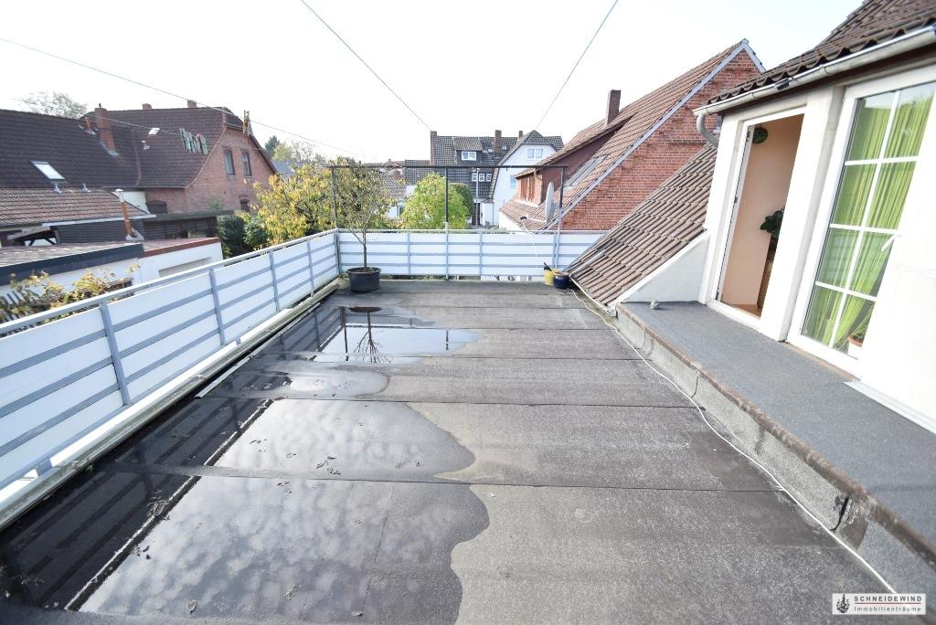 Blick über die Dachterrasse.JPG