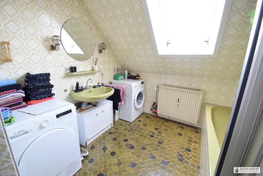 Waschmaschine und Trockneranschluß im Bad.JPG