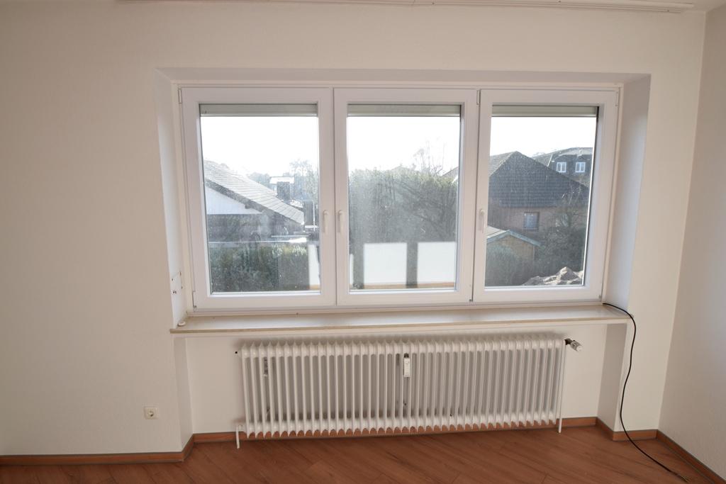 Neue Fenster mit elektrischen Rollläden