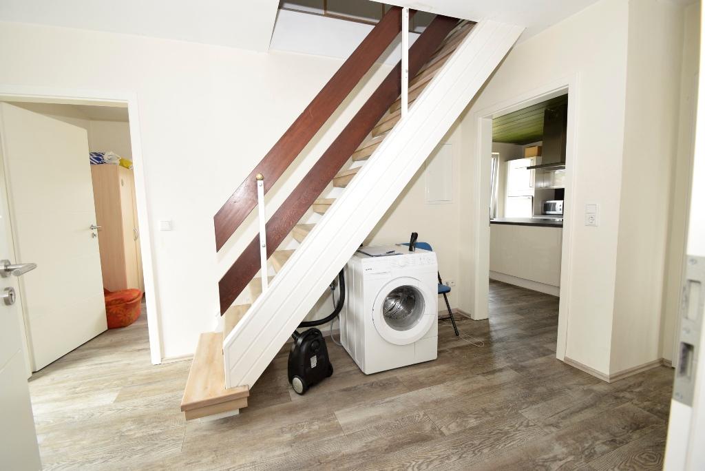Flurbereich mit Treppe zum ausgebauten Spitzboden