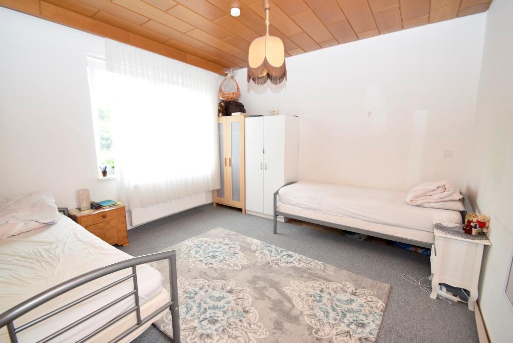 Schlafzimmer 1 rechts