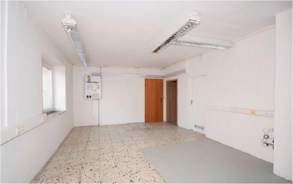 Vorraum 22,35 m² mit Toilettenbereich