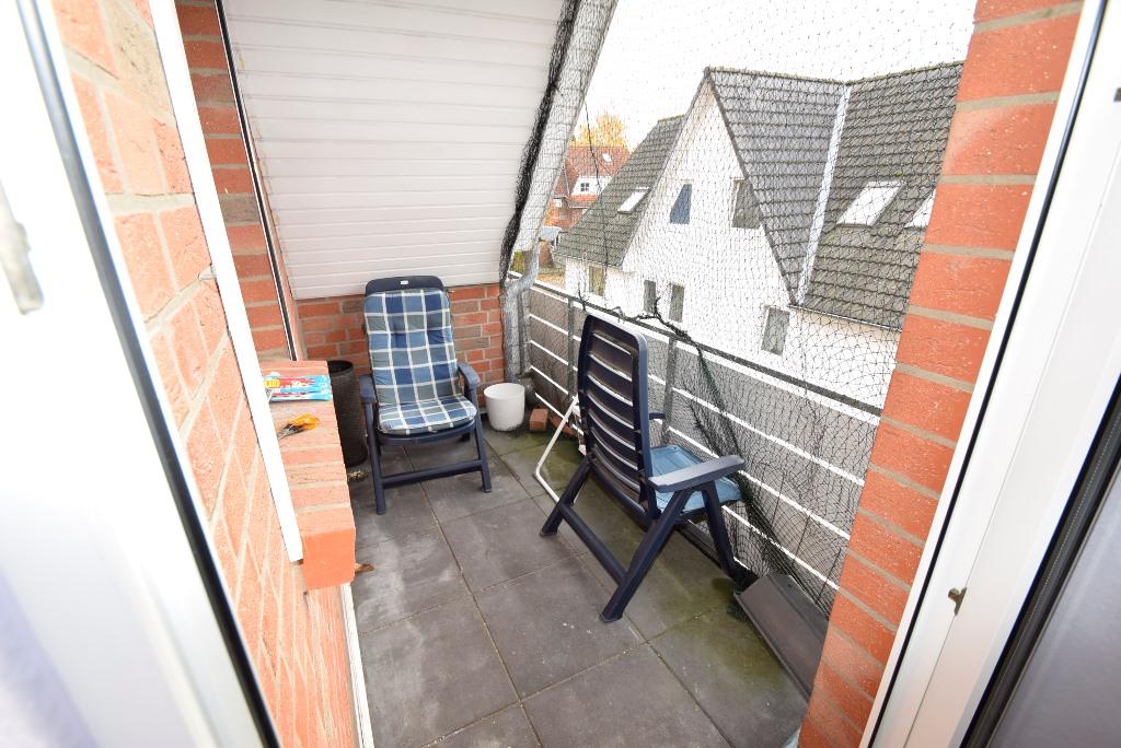 12. Balkon mit Vogelschutznetz