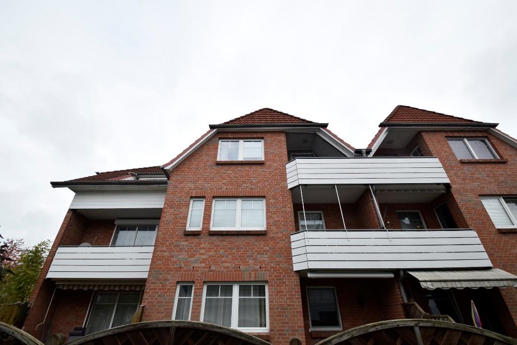 20. Südseite mit Balkonen