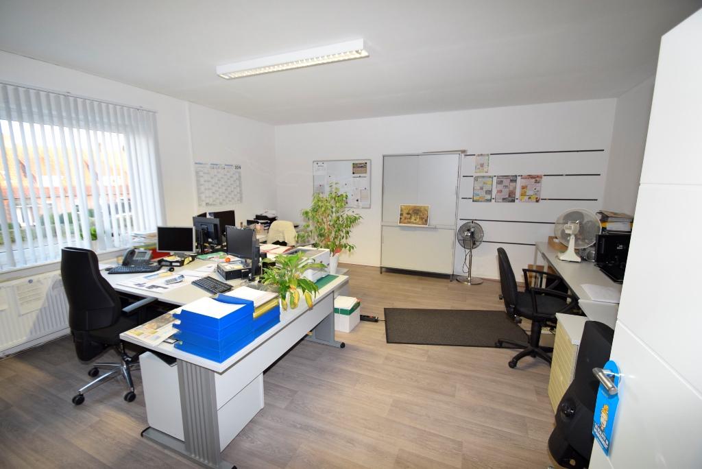 13 Einzelne Büroräume