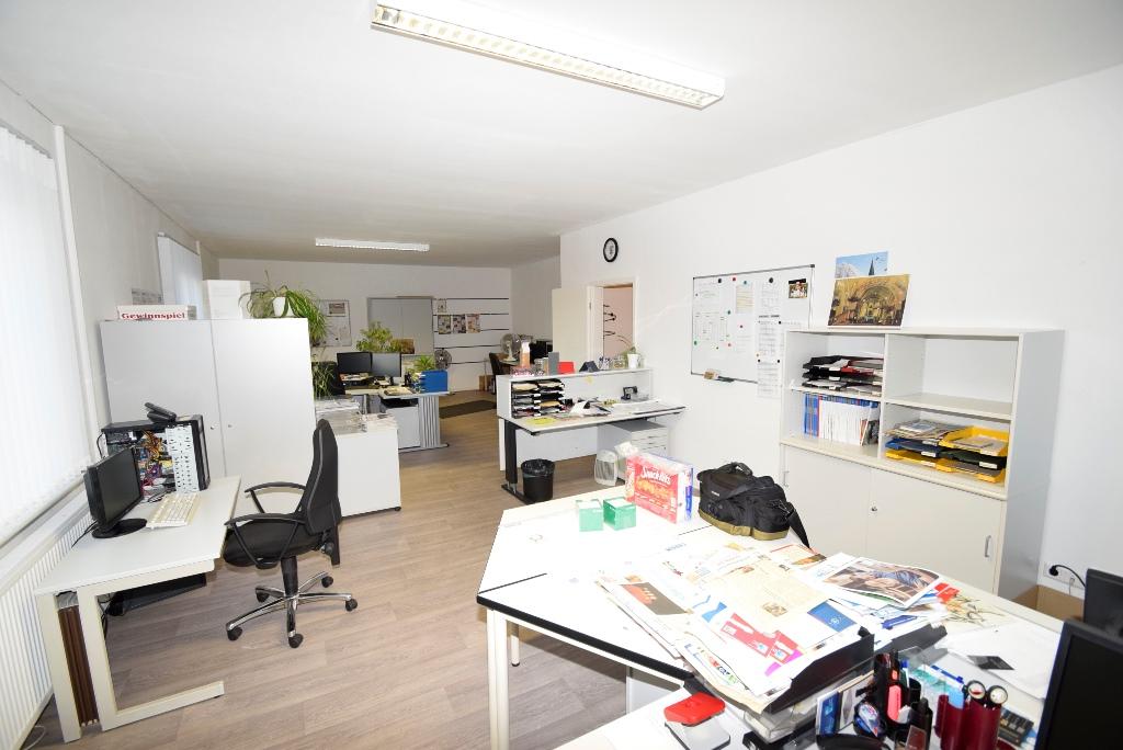 14 Großraum Büro oder Einzelabtrennung möglich