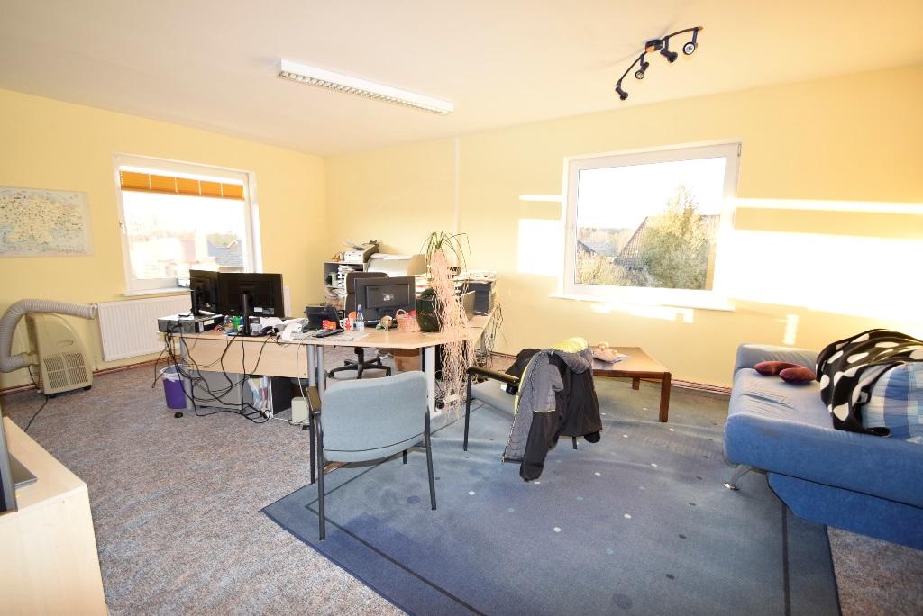 17 weiterer Büroraum