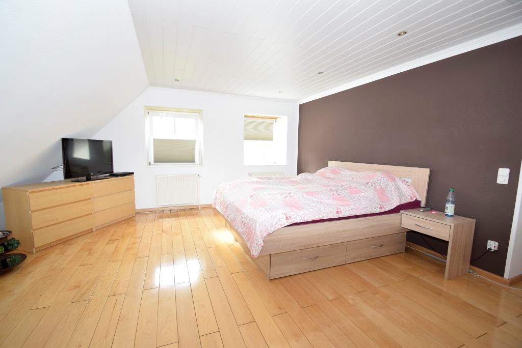 33. Elternschlafzimmer