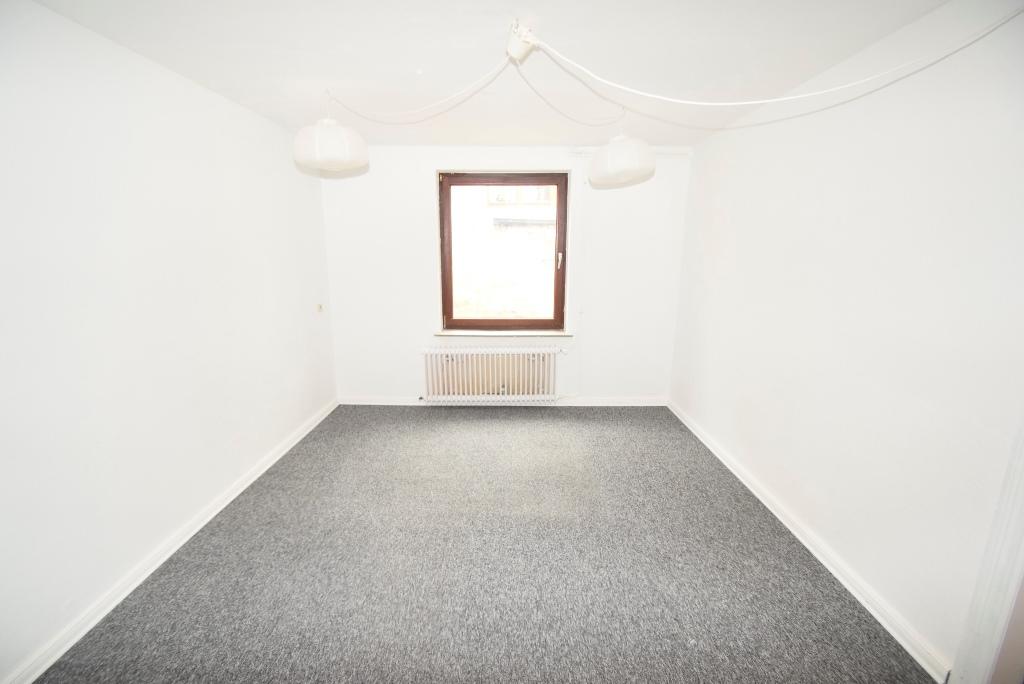 Souterrainzimmer zum Innenhof