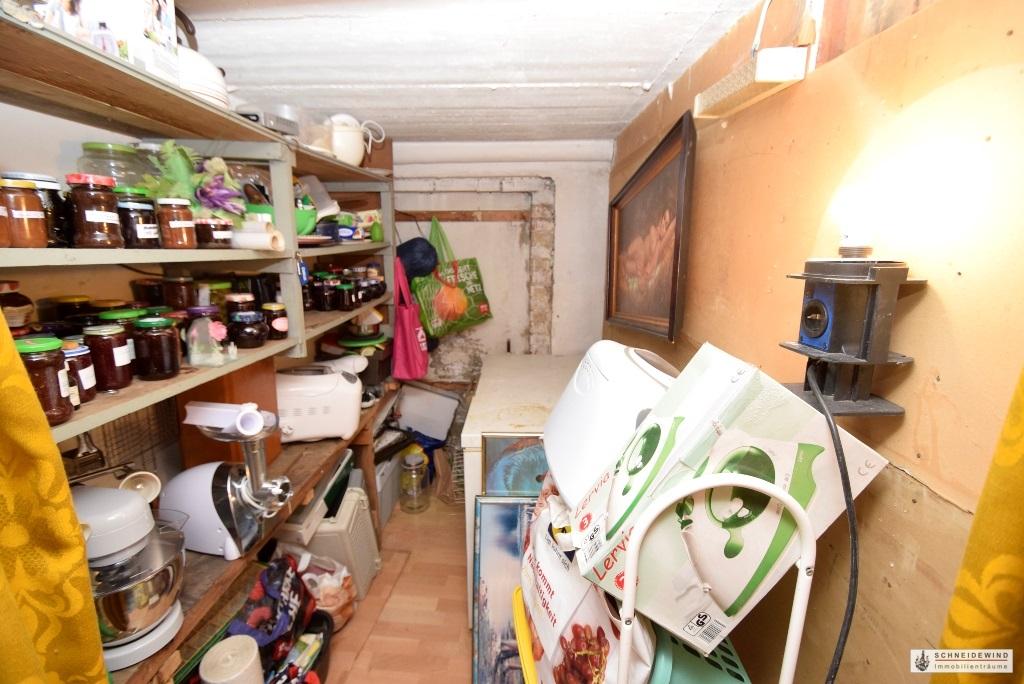 Abstellraum im Keller.JPG
