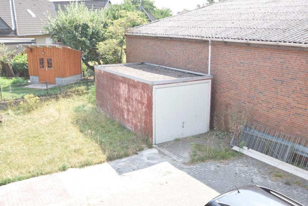 13. Garage