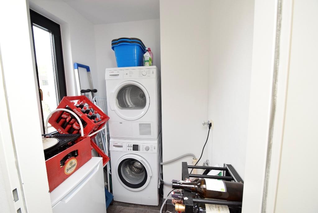 15. ... Platz für Ihre Waschmaschine, den Trockner und dient als Lager