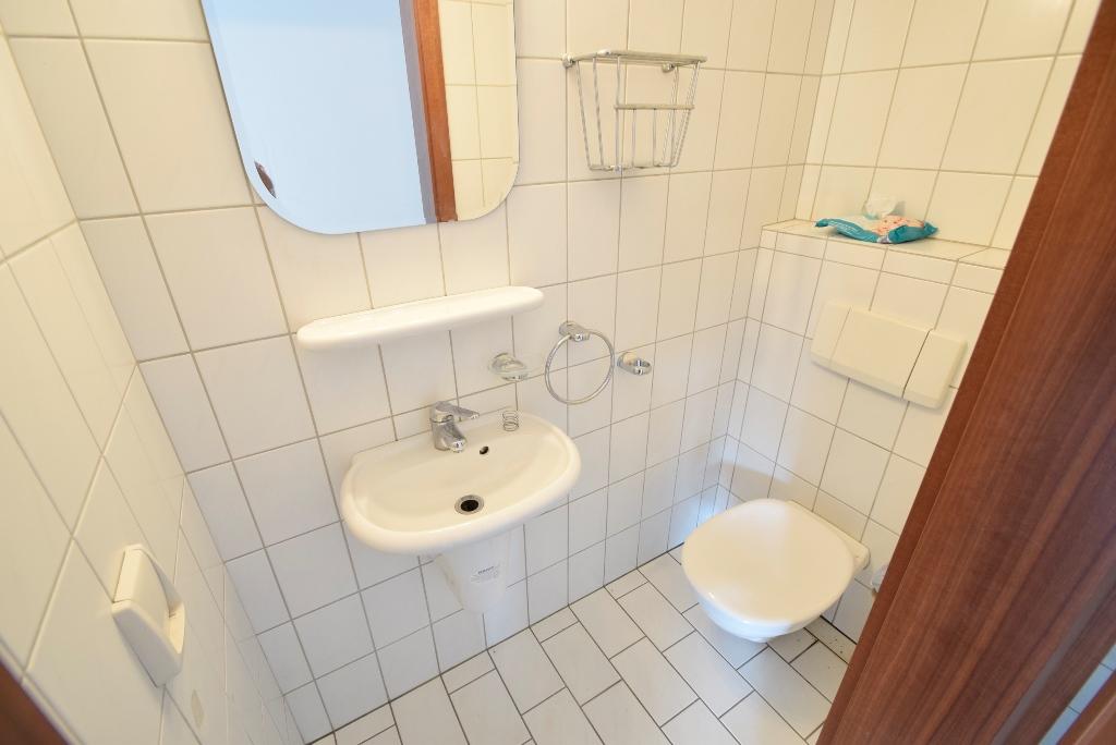 3. Helles Gäste-WC