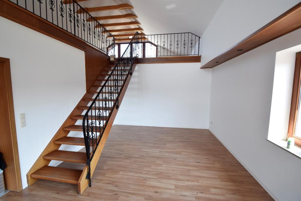 9. Treppe ins Dachgeschoss