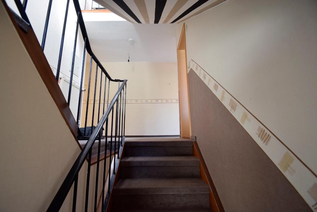 Treppenaufgang in die Wohnung