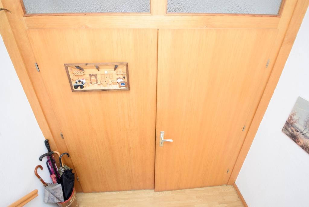 Zwischentür im EG zur Wohnung