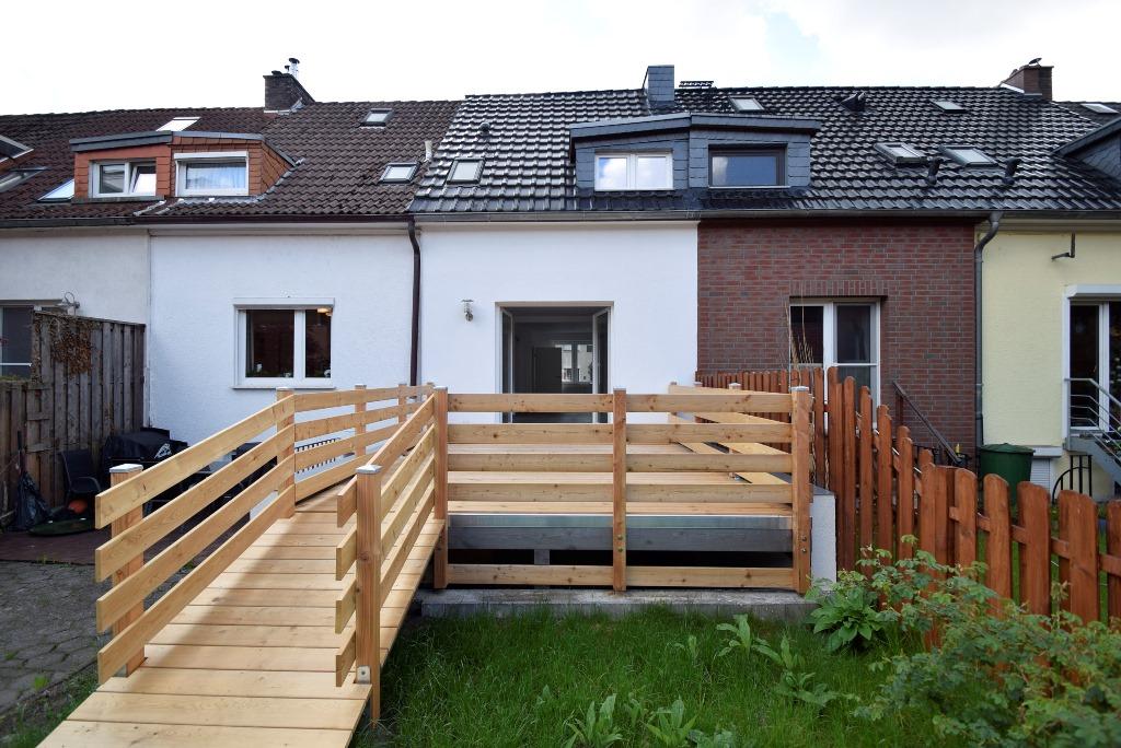 Zugang von der Terrasse direkt in den Garten