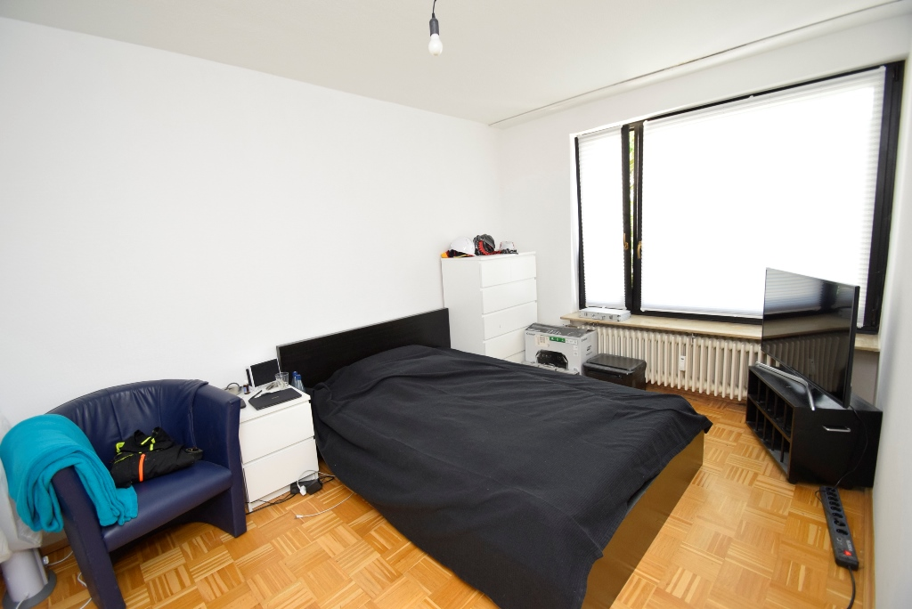 20. Schlafzimmer mit Möbeln