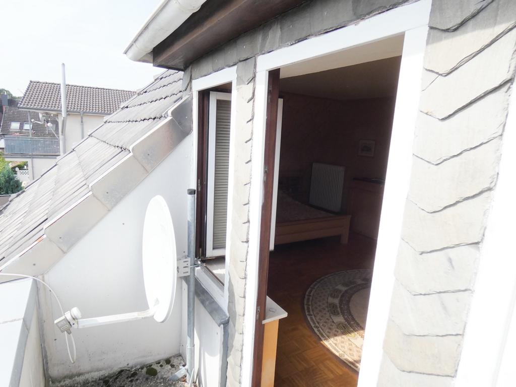 Balkon mit SAT-Anlage