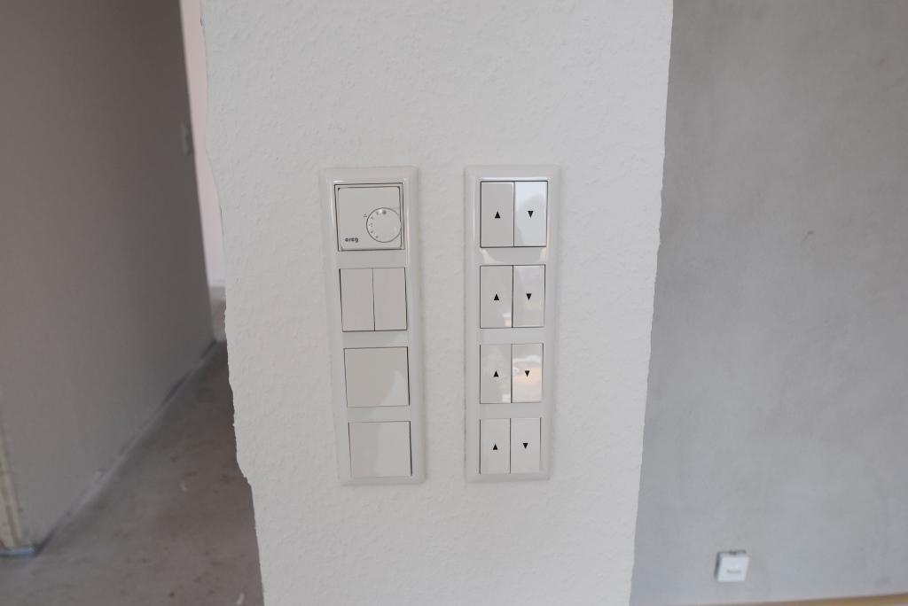 Steuerung für Fußbodenheizung und elektr. Rollläden