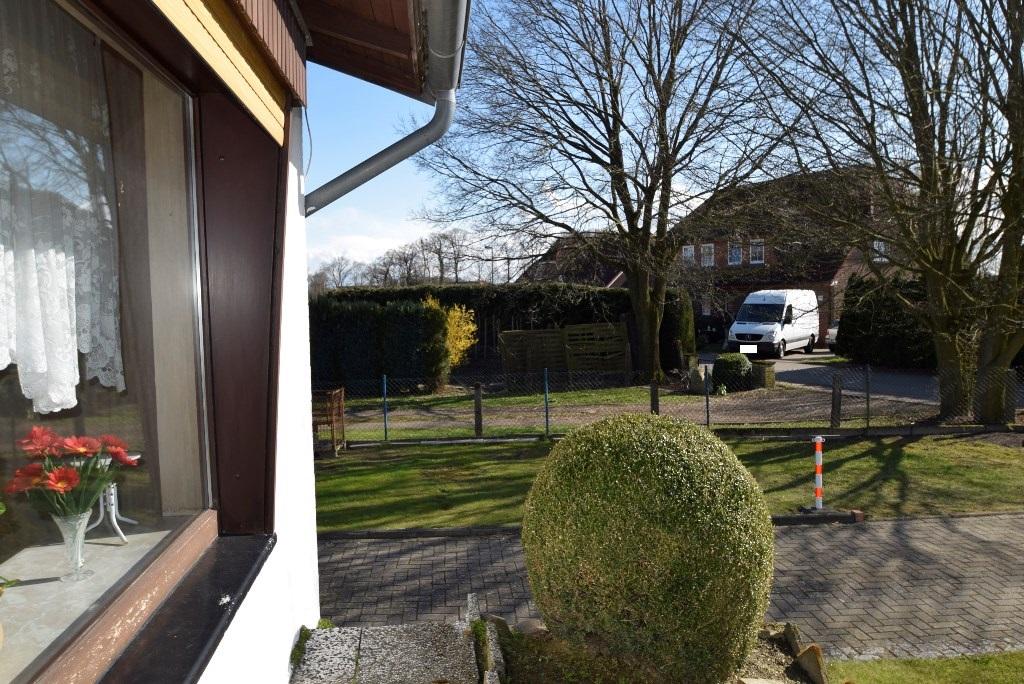Die Terrasse kann auch direkt vom Hof betreten werden